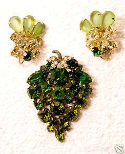 vintage jewelry set GRAPE pin brooch earrings peridot green glass
