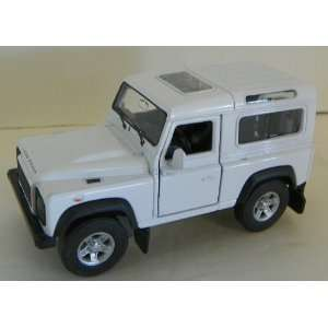 Welly 1/32 Scale Diecast Land Rover Defender in Color