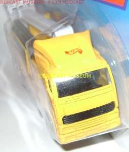 HOT WHEELS PHONE MAINTENANCE HAULERS SEMI TRUCK DIECAST