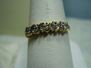 Beautiful 14K Yellow Gold Diamond Ring