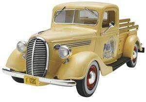 REVELL 1/25 SCALE 1937 FORD STREET ROD 2N1 PICKUP MODEL
